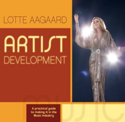 Win-1-of-5-Artist-Development-books-by-Lotte-Aagaard