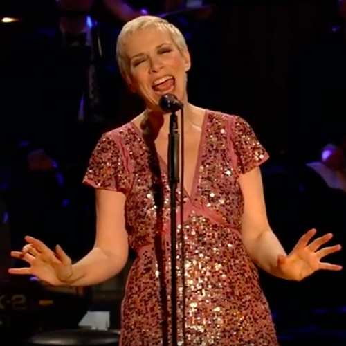 Annie-Lennox-plays-for-Desmond-Tutu