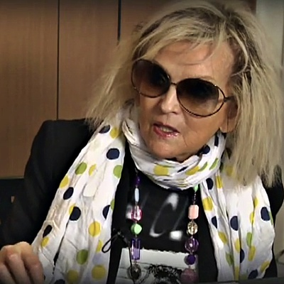 Annie-Nightingale-receives-honorary-doctorate