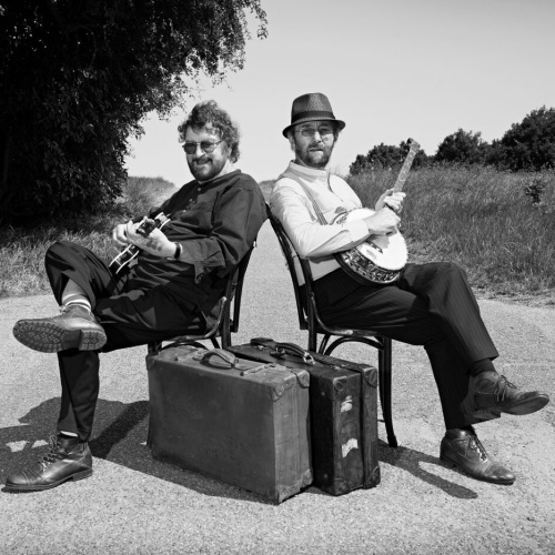 Chas-and-Dave-to-close-Beverley-Folk-Festival