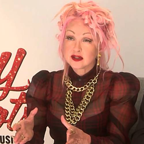 Cyndi-Lauper-believes-modern-music-is-too-sexual