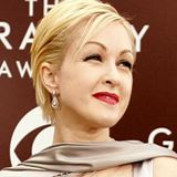 Cyndi-Lauper-takes-home-Broadway-honours