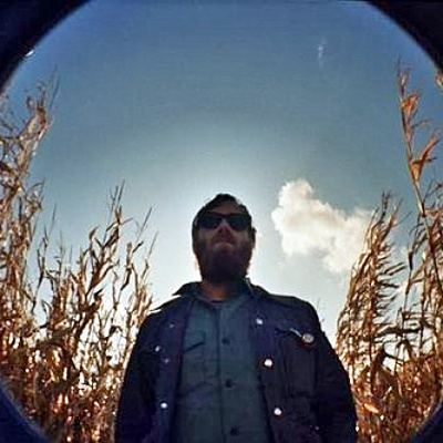 ... : Black Keys' Guitarist Dan Auerbach Releases New Single With