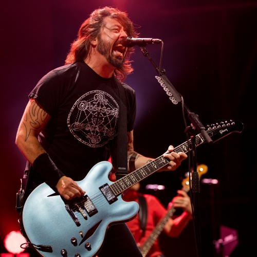Dave-Grohl-talks-mudwrestlers-and-Nirvana-in-keynote-address