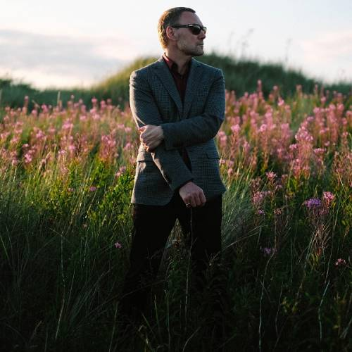 David Gray shares video for 'Enter Lightly'