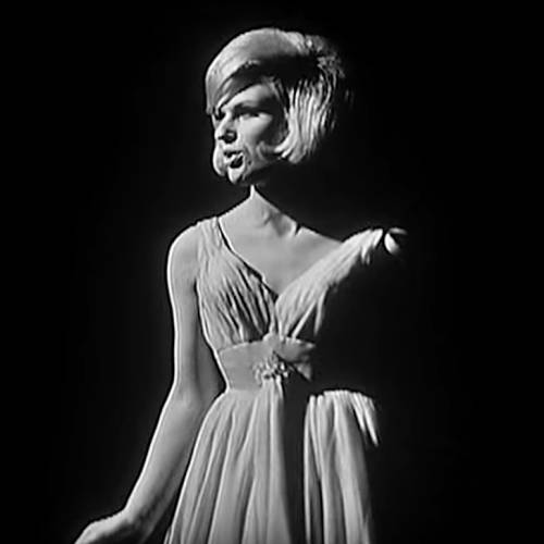 Dusty-Springfield-New-York-salute-with-Broadway-in-mind