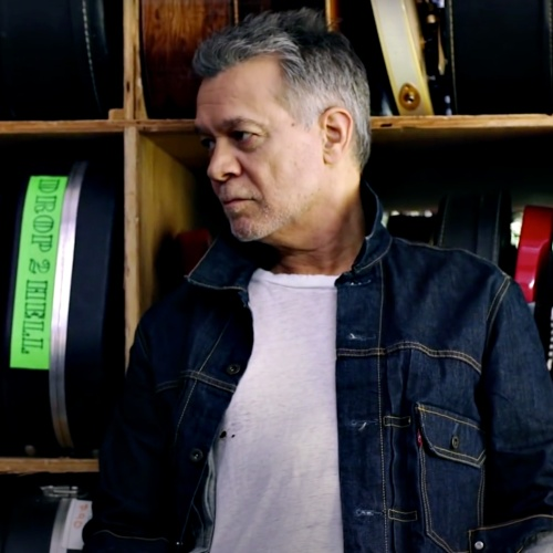Eddie-Van-Halen-at-home-after-three-weeks-in-hospital