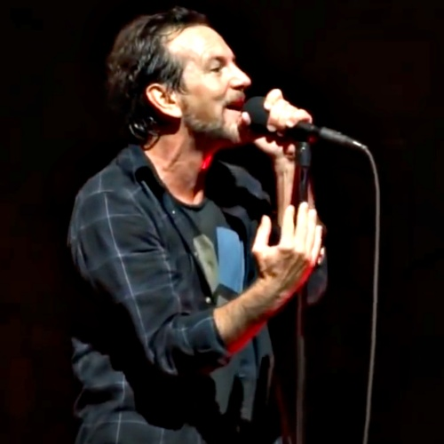 Eddie-Vedder-becomes-radio-DJ