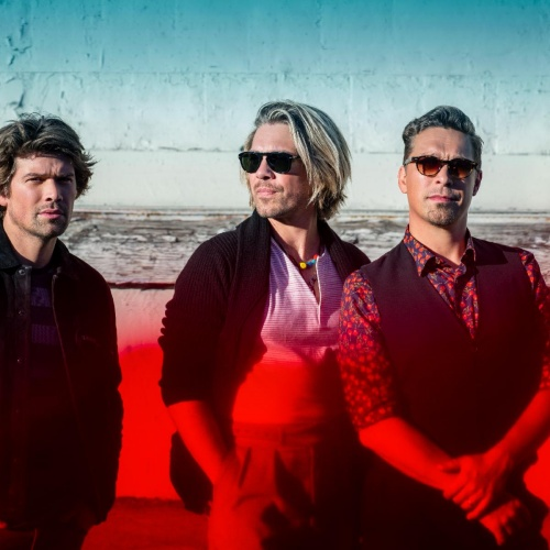 Hanson-discuss-MMMBop,-marriage,-AC/DC-and-Katy-Perry