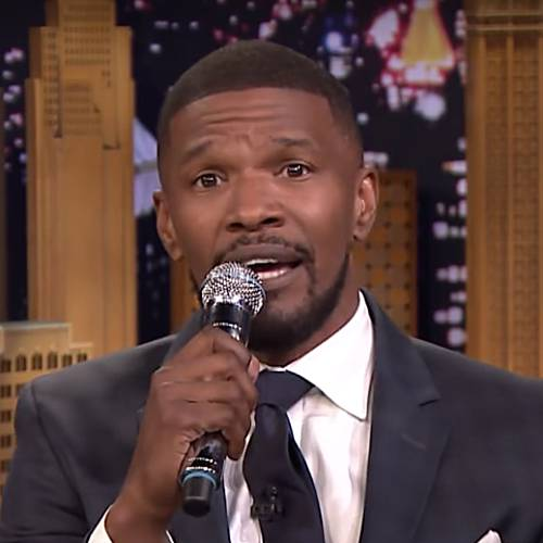 http://www.music-news.com/news/UK/106426/Jamie-Foxx-Yeah-I-m-doing-it-I-ve-got-stand-up-I-m-coming-to-the-UK