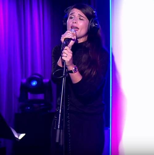 Jessie-Ware-performs-at-celebrity-charity-ball