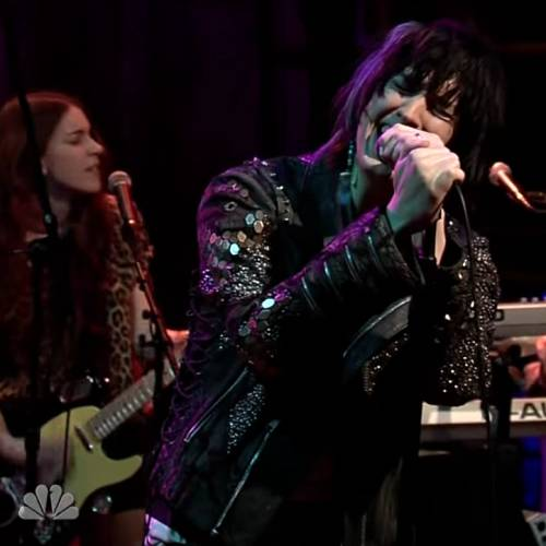 Julian-Casablancas-talks-Strokes,-new-album-and-parents