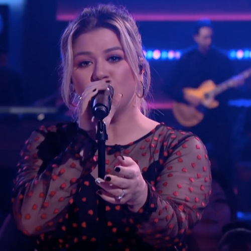 Kelly-Clarkson-on-album-misunderstanding