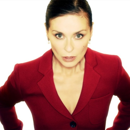 Lisa-Stansfield-shares-new-video-for-So-Be-It