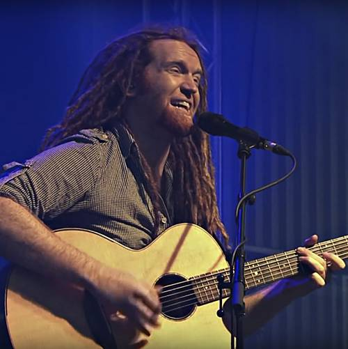 Newton-Faulkner-writing-with-X-Factor-finalist-Janet-Devlin