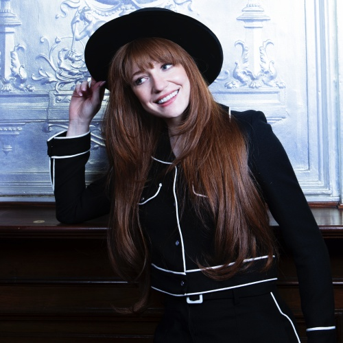 Nicola-Roberts-loves-The-Promise