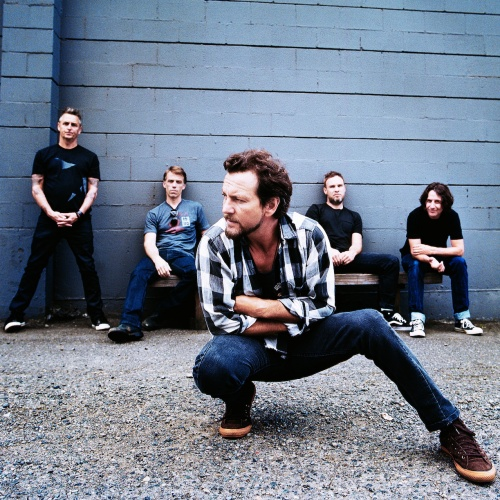 Pearl-Jam-debut--at-No.1-in-USA