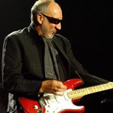 Pete-Townshend-apologizes-for-swearing-at-young-girl
