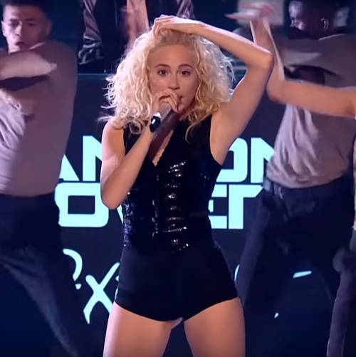 Pixie-Lott-premieres-Nasty-video