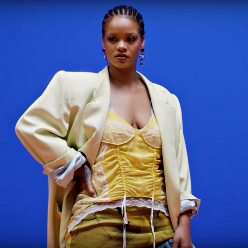 Rihanna-cut-hair-short-on-a-whim