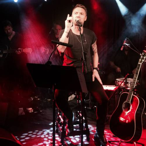 Ronan-Keating-to-fight-back-with-new-material
