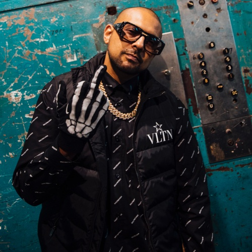 Sean Paul signs to Island Records
