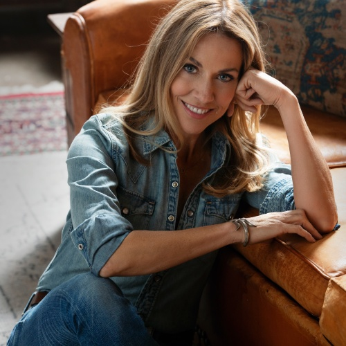 Sheryl-Crow-Gibson-guitar-announced