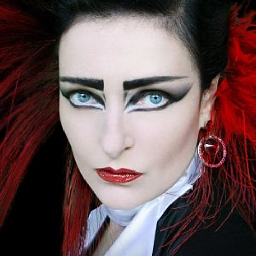 Siouxsie-Sioux-records-Hannibal-song