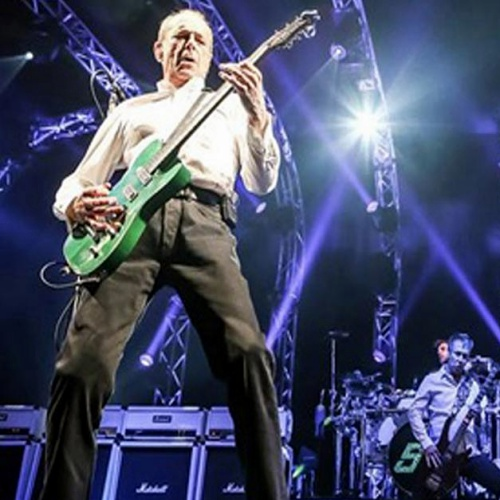 Status Quo's Rick Parfitt ordered to rest for a year