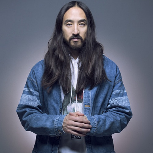 Steve-Aoki-donates-to-Hard-Rock-collection