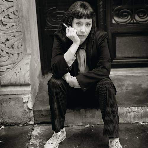 Suzanne-Vega-celebrates-25-years-since-Solitude-Standing