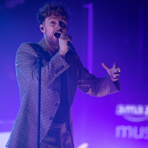 Tom Grennan, Mimi Webb and Shaybo on stage for 'Prime Day Live'