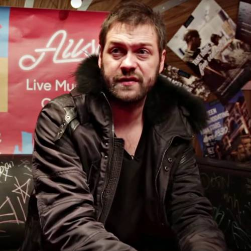 Kasabian frontman Tom Meighan quits citing 'personal issues' - Music News 1