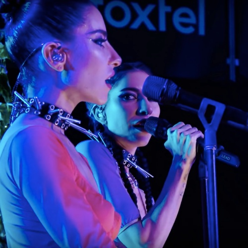 Permalink to The Veronicas star Jessica Origliasso is engaged – Music News