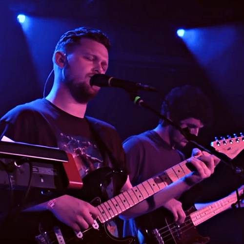 Alt-J-play-intimate-Absolute-session