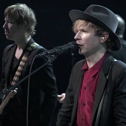 Beck-performs-with-160-piece-orchestra