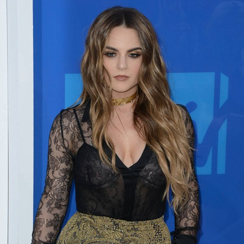 JoJo used alcohol to numb pain of label battle