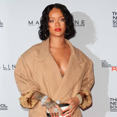 http://www.music-news.com/news/UK/106370/Rihanna-gives-advice-to-fan-dealing-with-heartbreak-over-Twitter