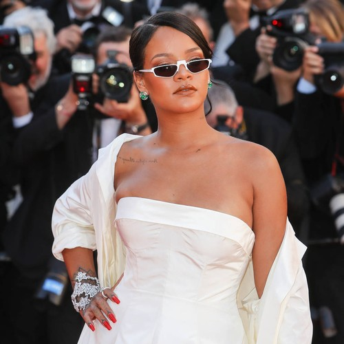 http://www.music-news.com/news/UK/106465/Rihanna-vacations-in-Spain-with-new-mystery-man