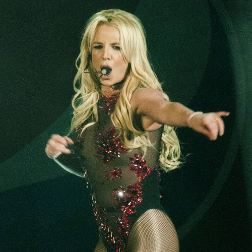 http://www.music-news.com/news/UK/107501/Britney-Spears-gives-critics-Something-to-Talk-About-with-Bonnie-Raitt-cover
