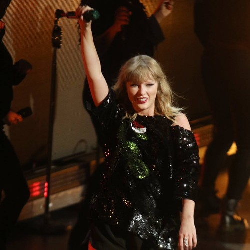 Taylor Swift drops second 'Delicate' music video