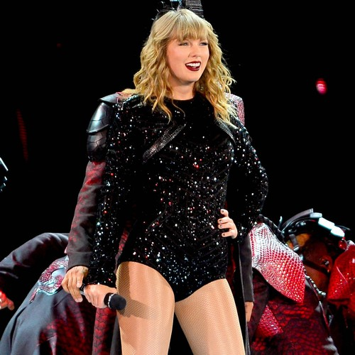 Taylor Swift declares political allegiance ahead of U.S. midterm elections