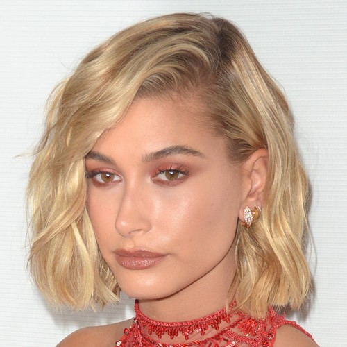 Hailey Baldwin Files Papers To Trademark Her Married Name For Clothing Line