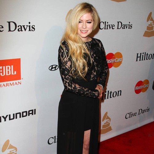 Avril Lavigne 'accepted Death' During Battle With Lyme Disease
