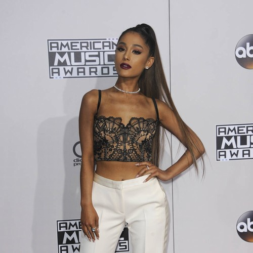 Ariana Grande Healing Heart With World Tour