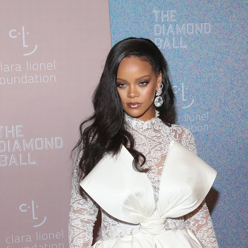 Rihanna Objects To Use Of Her Song At 'tragic' Donald Trump Rally