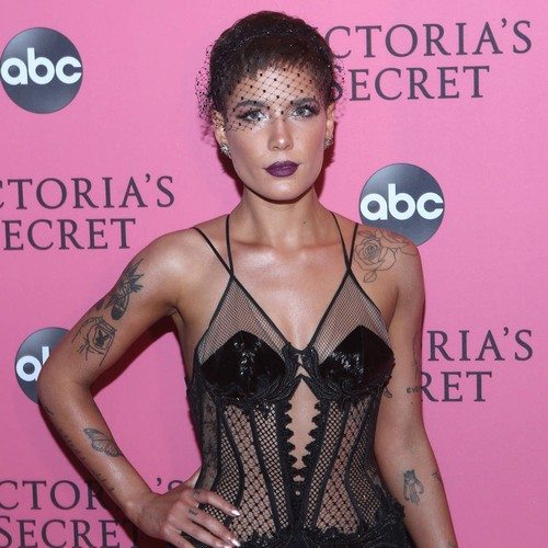 Halsey Delivers Powerful Poem At Glamour Women Of The Year Summit