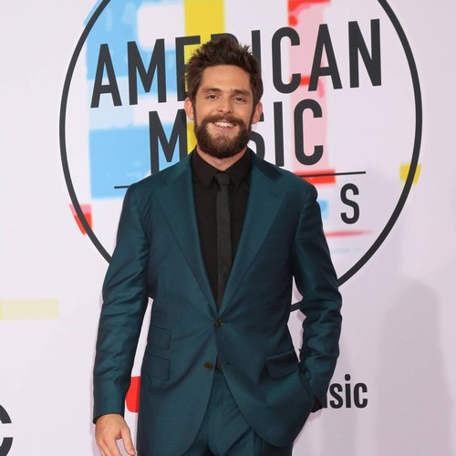 Thomas Rhett Kicks Off Cma Awards Celebrations With Early Win