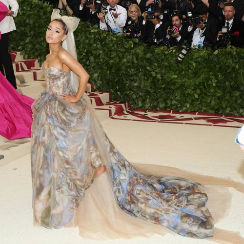 Ariana Grande Slams Piers Morgan Over Little Mix Criticism - Music News