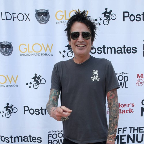 Tommy Lee Reunites With Son